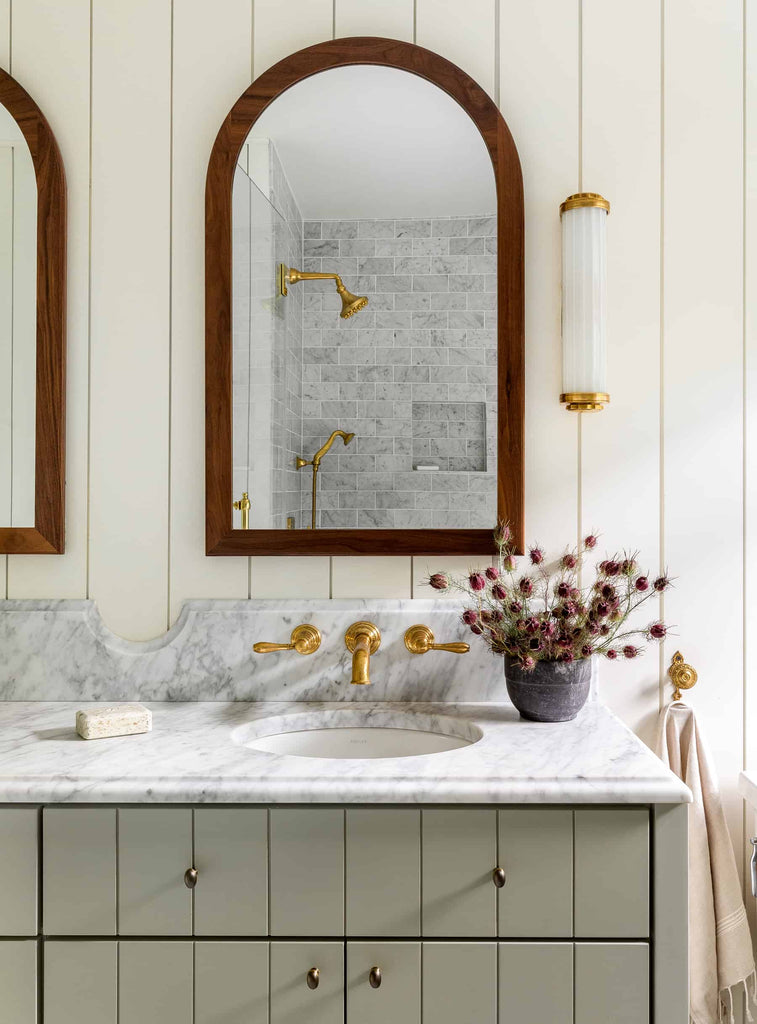 Heidi Caillier Design White and green bathroom brass details