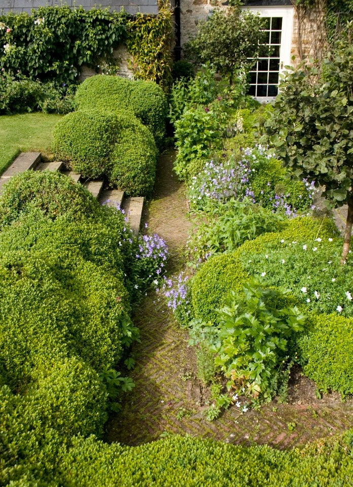 Garden inspiration from arne maynard greige design for Garden design inspiration
