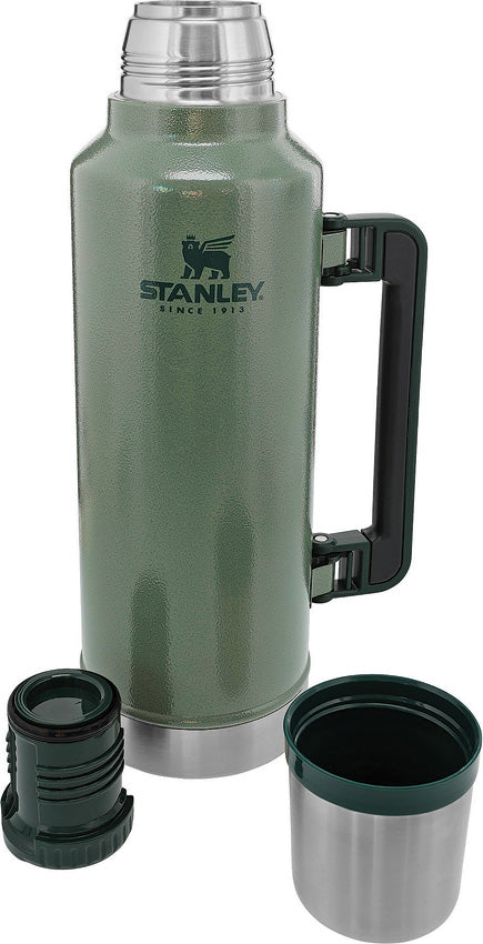 Stanley Green Classic Legendary Dishwasher Safe Stainless Bottle 2.0qt 7934001