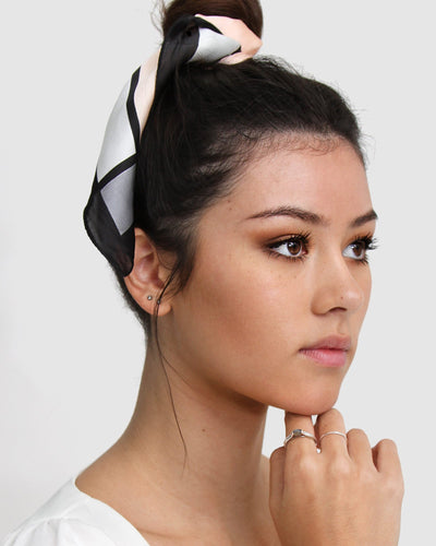 New-Yorker-Fashion-Scarf-bun-model-crop.jpg