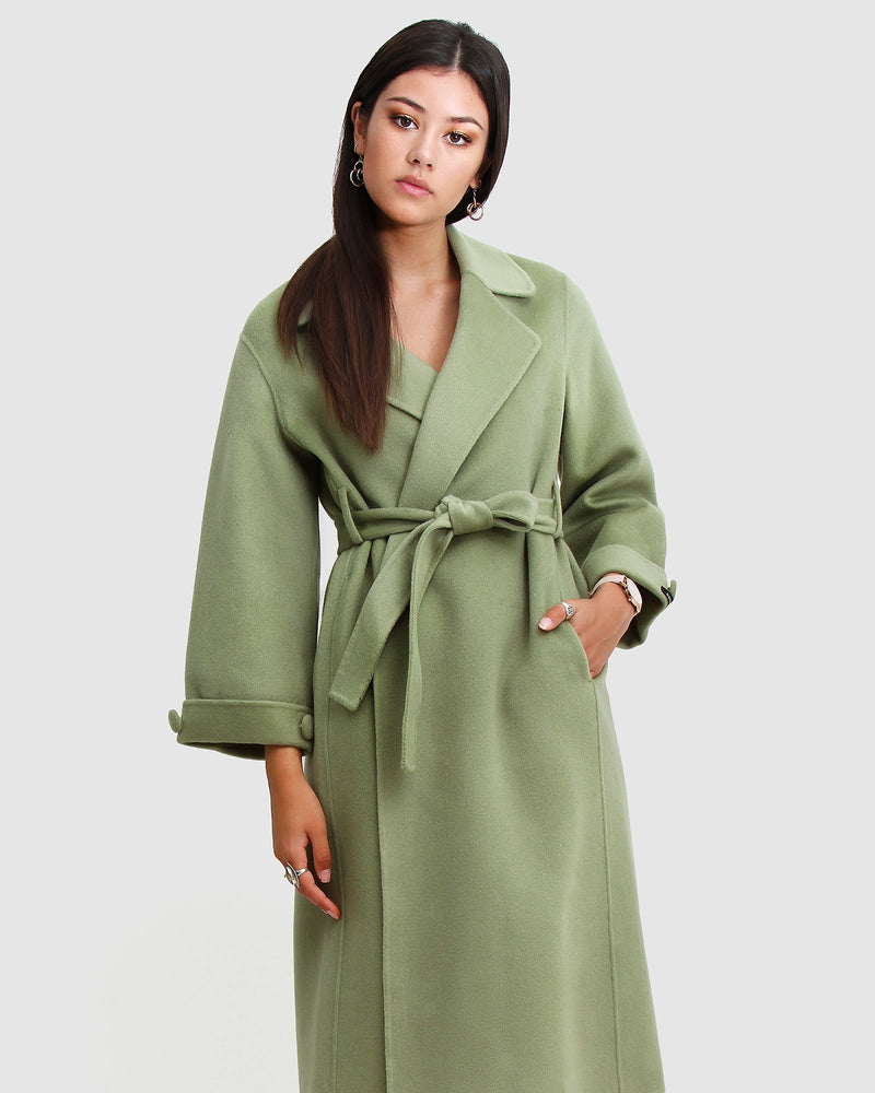 Oversized-wool-coat-green-front.jpg