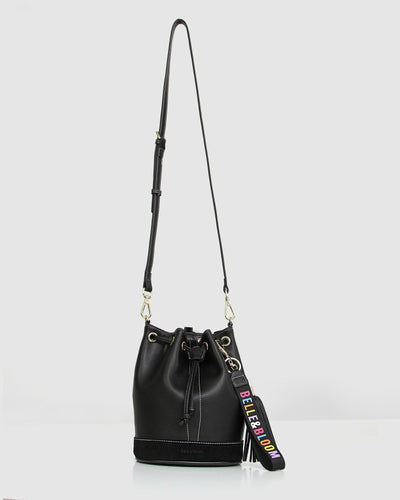 Rainbow_bucket_bag_black_leather_golden_ring_leather_strap_hang.jpg