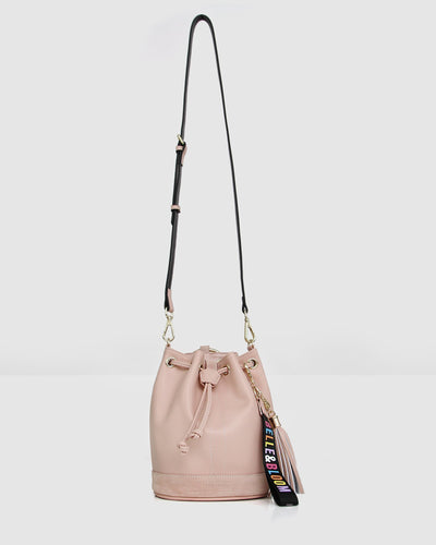 Rainbow_bucket_bag_leather_golden_ring_leather-strap-hang.jpg