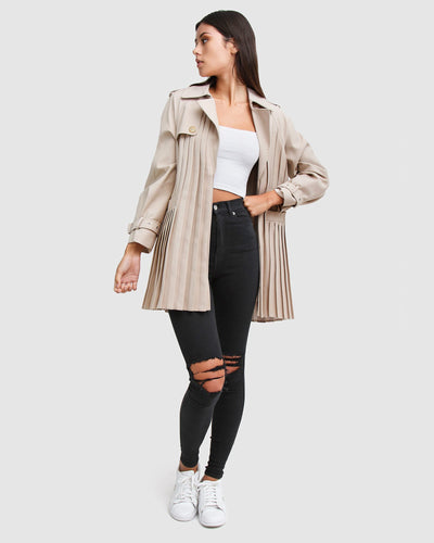 beige-pleated-coat-waist-belt-open.jpg