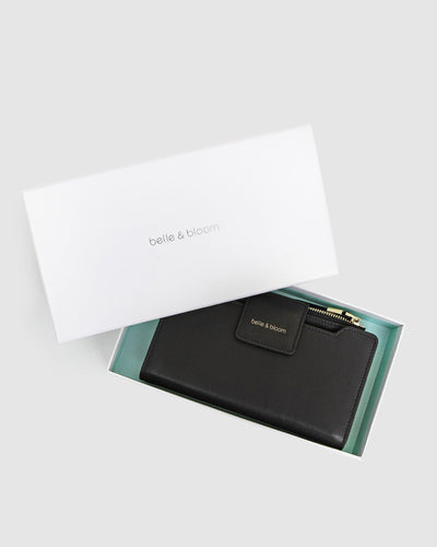 belle-&-bloom-waxy-leather-wallet-black-box.jpg