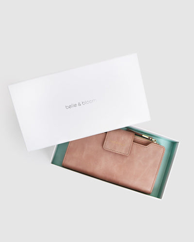 belle-&-bloom-waxy-leather-wallet-dusty-rose-box.jpg