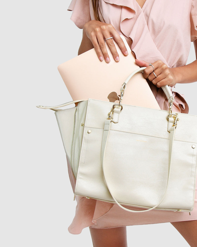 cream-leather-basket-bag-expandable-side-zippers-shoulder-strap-front.jpg