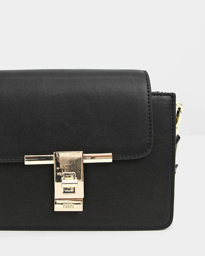 detail-of-black-leather-handbag-with-fancy-lock.jpg