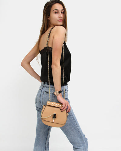 tan-leather-bag-with-chain-strap-and-lipstick-lock.jpg