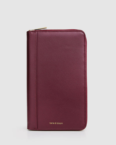 wilona-travel-wallet-wine-back-logo.jpg