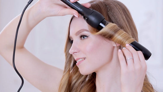 Three Reasons to Consider a Hair Styling Wand over Curling Sets
