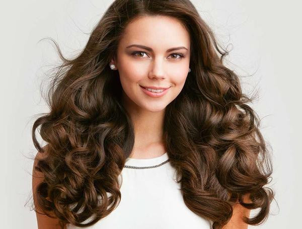 Hot Irons for Hair vs. The Uncooperative Frizz