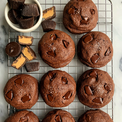 Gluten-Free Peanut Butter Cup Stuffed Brownie Cookies by @rachlmansfield