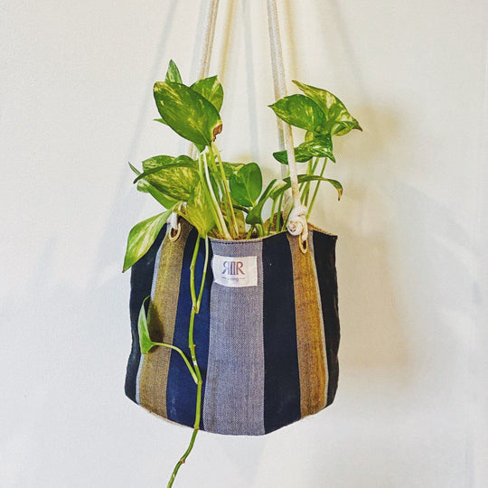 Hanging Planters Gold & Black