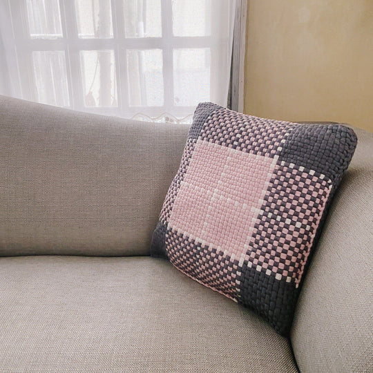 Pixel Pillows Cross
