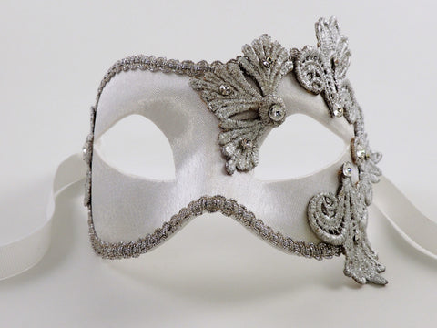 Colombina Satin White and Silver Image
