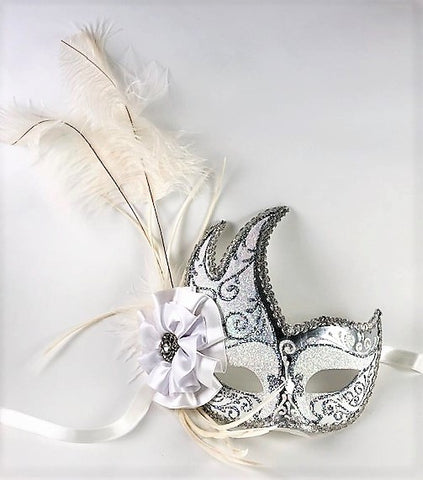 Feathered Cigno Masquerade Mask White and Silver Image