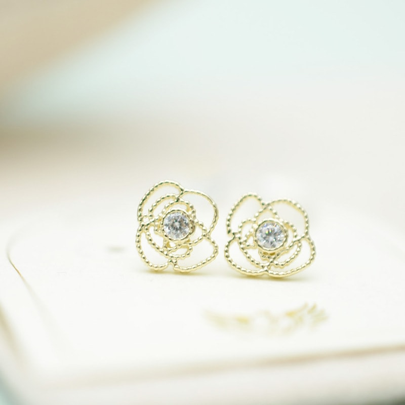Solid 10K Gold Hollow Roses Stud Earrings