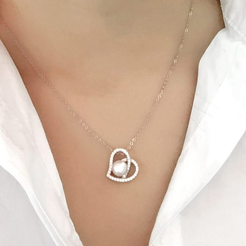 925 Sterling Silver 0.6 Carat CZ Heart 8-9 mm Pearl Necklace