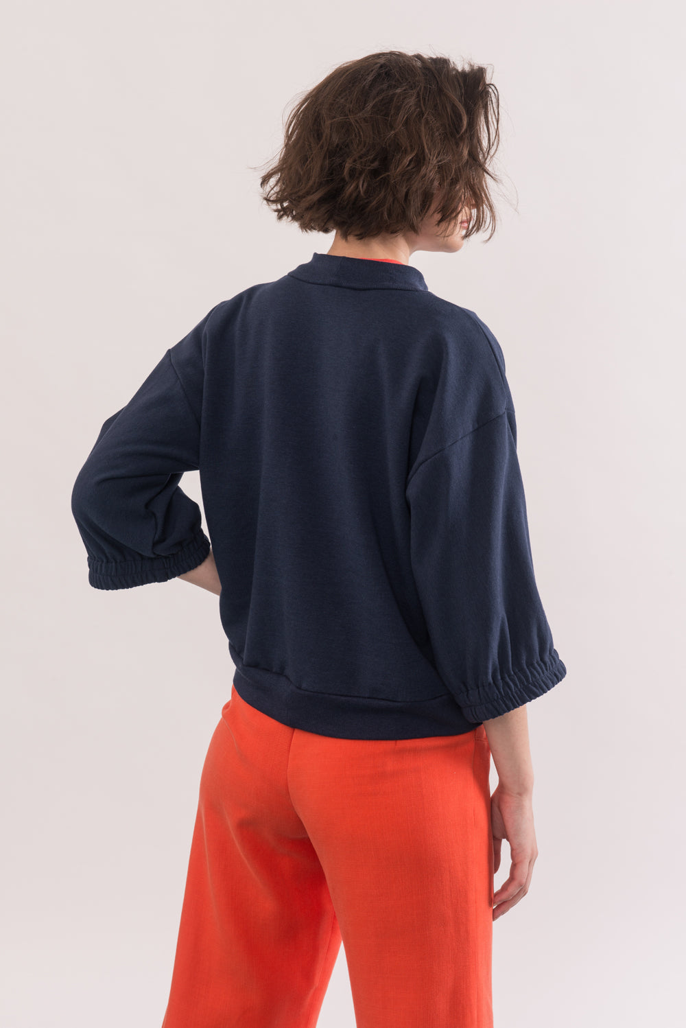 Popova Sweater by Jennifer Glasgow, Navy, back view, cropped, 3/4 sleeves, dropped shoulders, ribbed neckline and waist, eco-friendly, OEKO Standard 100 certification, sizes XS to XL, made in Montreal