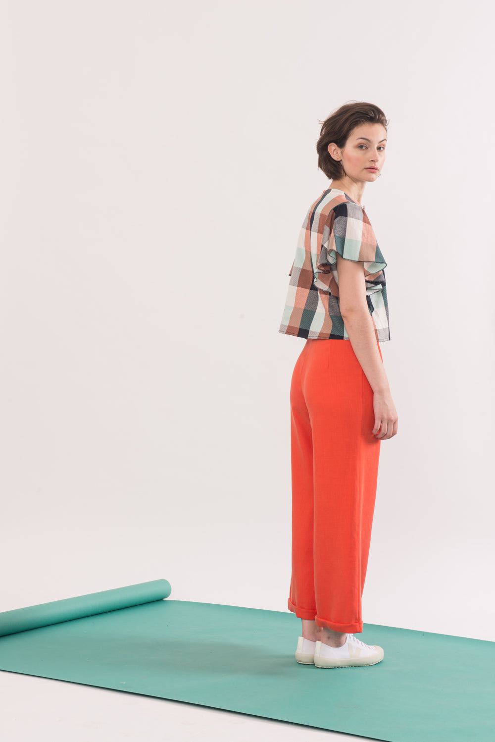 Agnes Trouser by Jennifer Glasgow, Carrot, side view, long fly, flared leg, organic cotton twill, eco fabric, OEKO-TEX Standard 100, sizes XS to XL, made in Montreal Canada