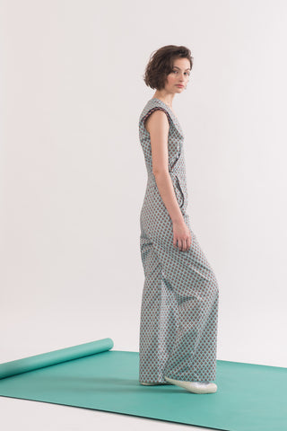 Motherwell Jumpsuit by Jennifer Glasgow, Sage print, side view, cross-over front, cap sleeves, front pockets, elastic waist, French cotton poplin, eco fabric, OEKO-TEX Standard 100, sizes XS To XL, made in Montreal