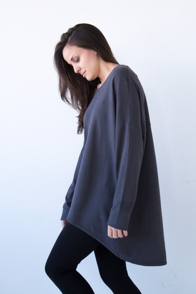 Advika, slouchy long sleeved top, made in montreal