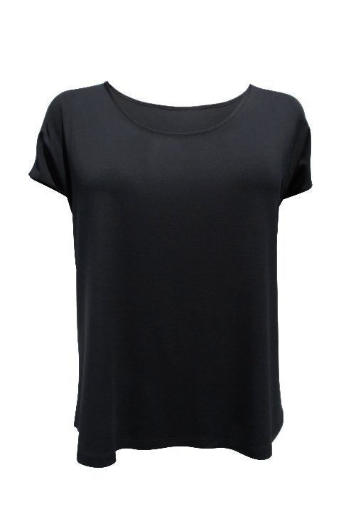 Emmy Top by Moovment, Black, loose fit, cap sleeves, slits at side hems, bamboo-viscose, sizes XS to XXL, made in Quebec