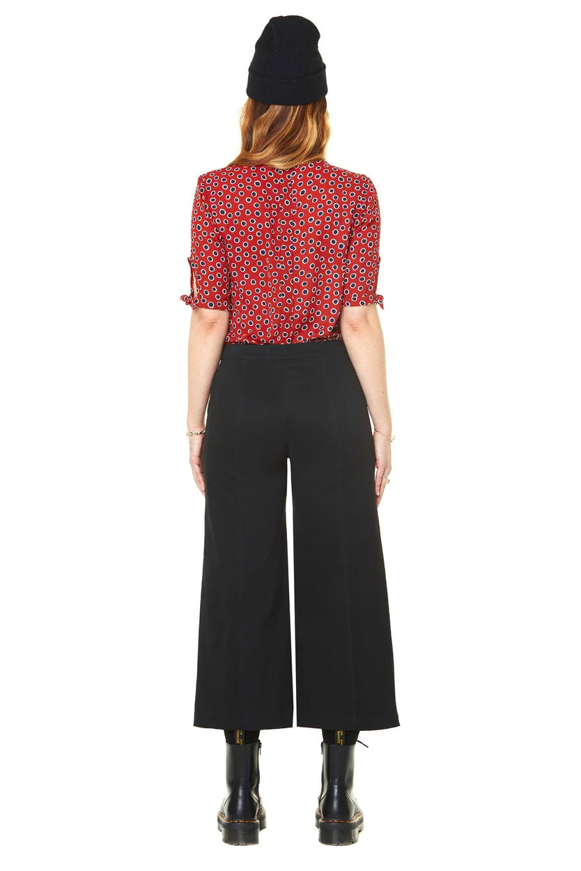 Gabrielle Cropped High Waisted Pants Annie 50 FW 20/21 Black Back View. Made in Montreal
