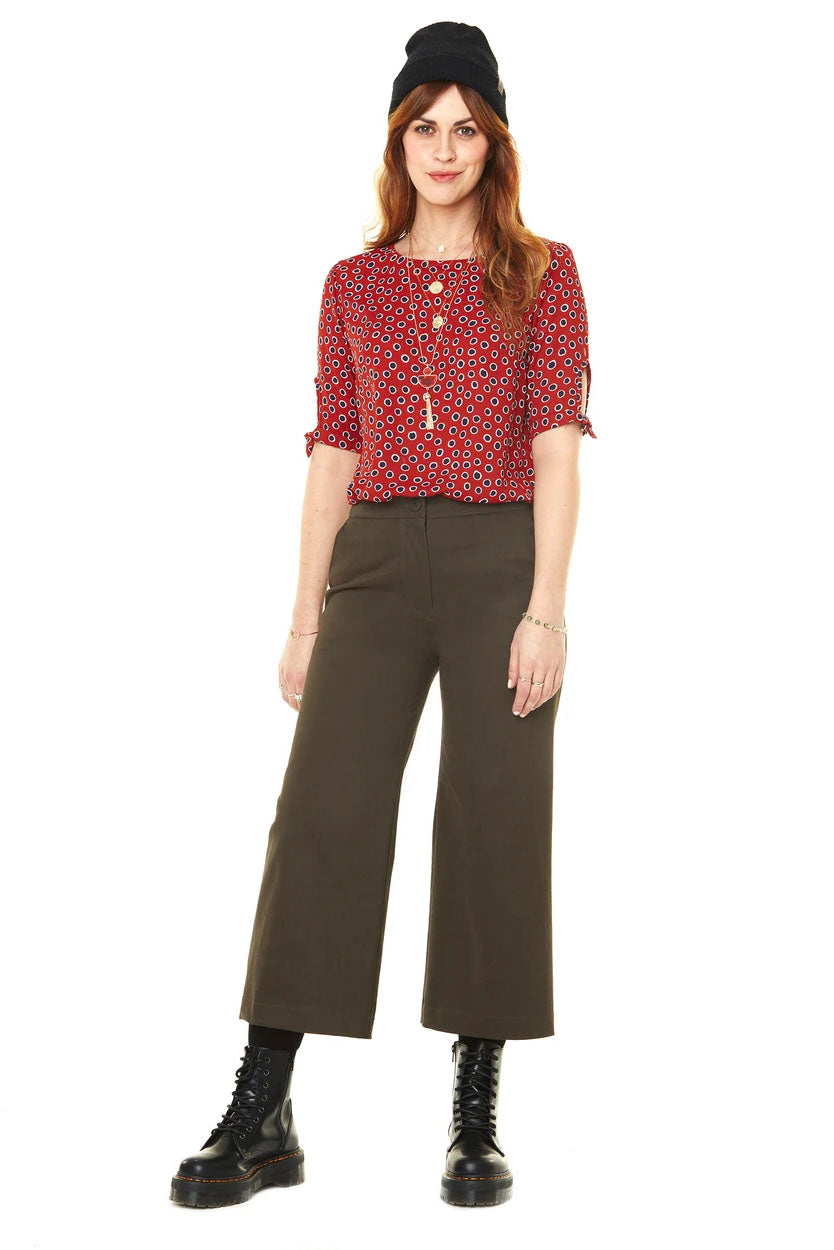 Gabrielle Cropped High Waisted Pants Annie 50 FW 20/21 Khaki  Front View. Made in Montreal