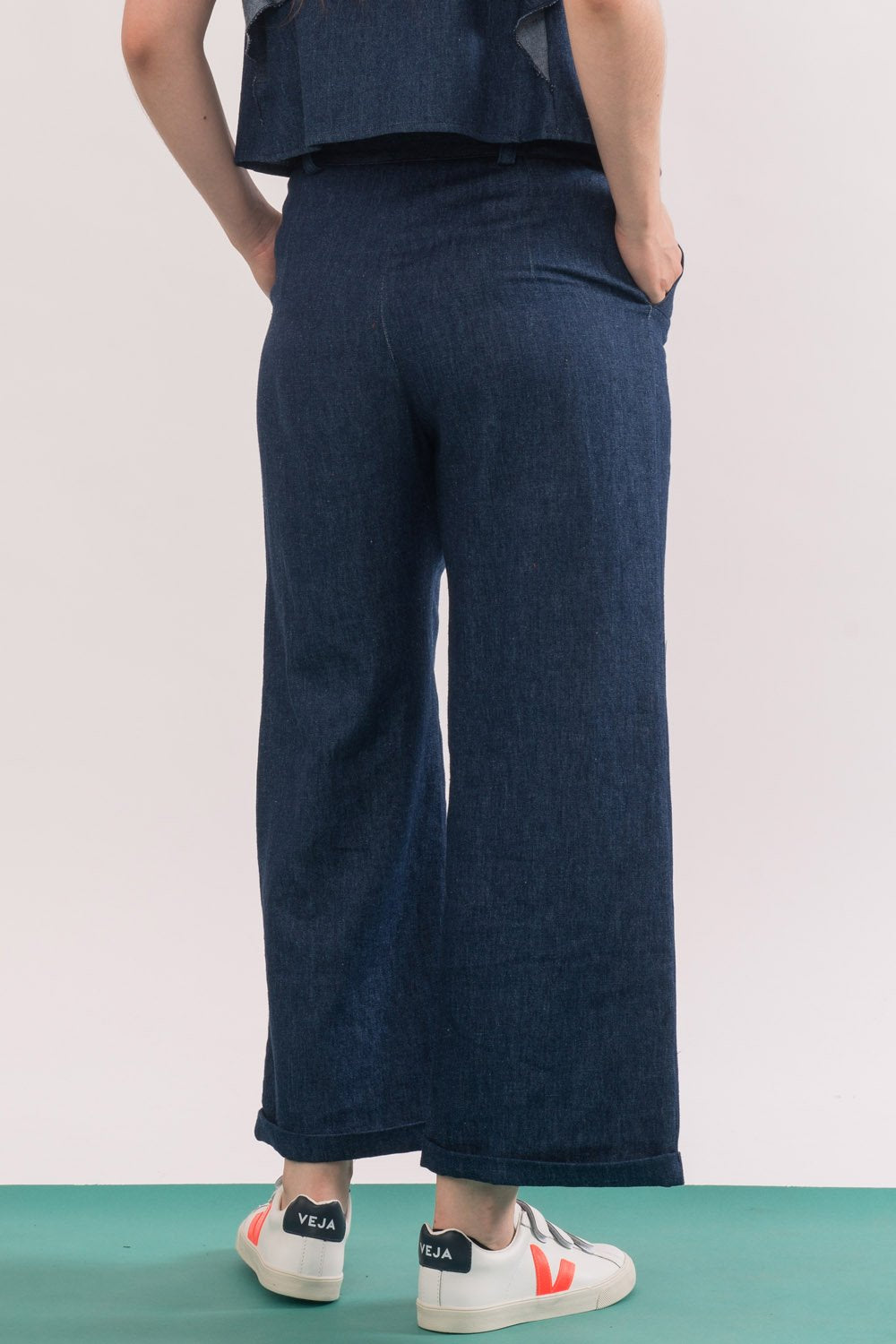 Agnes Trouser by Jennifer Glasgow, Denim, side view, long fly, flared leg, organic cotton twill, eco fabric, OEKO-TEX Standard 100, sizes XS to XL, made in Montreal Canada