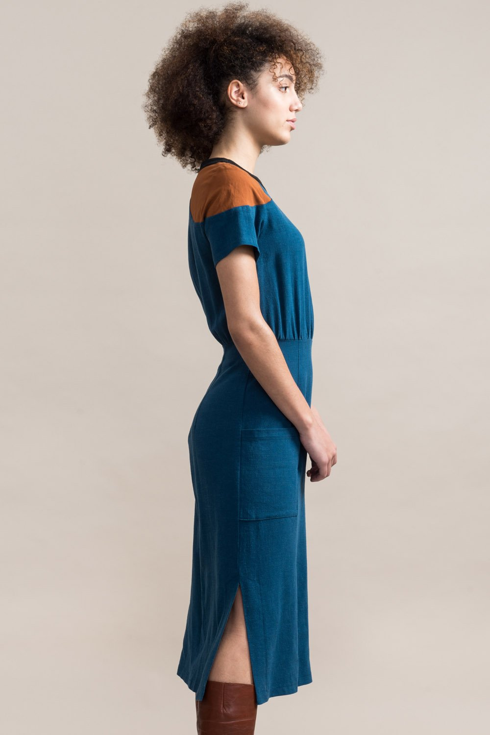 JENNIFER GLASGOW Cherish Dress in Teal FW2020/2021 (side view, detail)