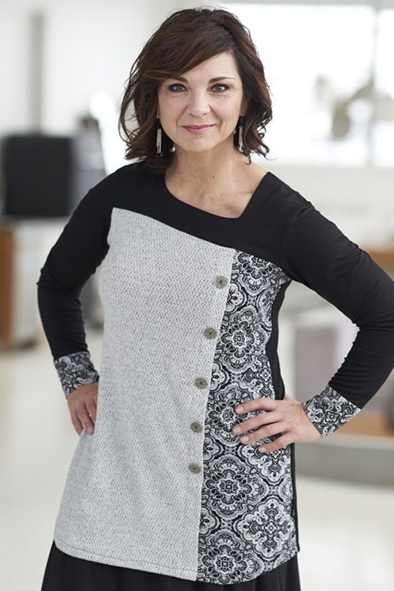 RIEN NE SE PERD Copernic Tunic in White and Black Mandala FW2020/2021 (front view, styled)