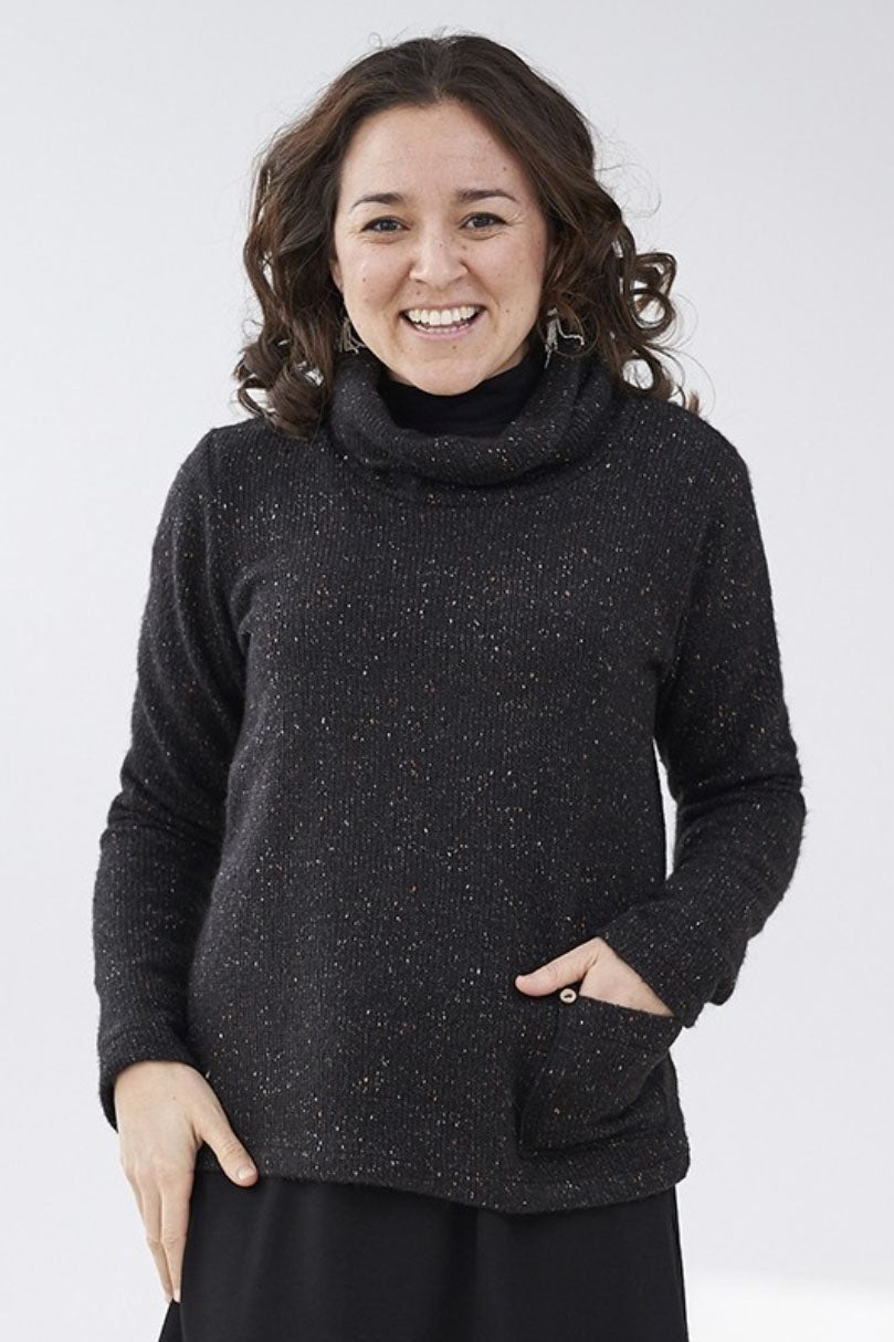 Charbon/Charcoal Newton Sweater, Front view, Rien ne se perd, tout se cree Fall/Winter 2020/2021, Sizes XS - XXL