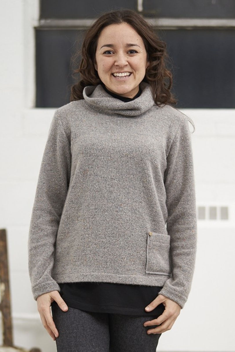 Gris Pale/Light Grey Newton Sweater, Front view, Rien ne se perd, tout se cree Fall/Winter 2020/2021, Sizes XS - XXL