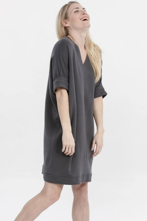 ADVIKA Janet Tunic in Shadow (full-length, side view) FW2020/2021