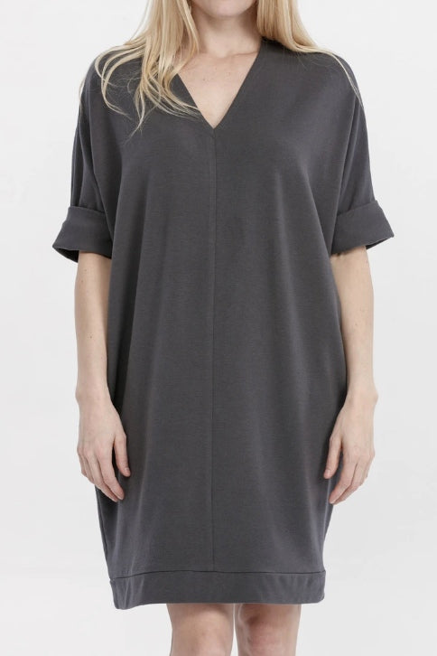 ADVIKA Janet Tunic in Shadow (detail, front view) FW2020/2021
