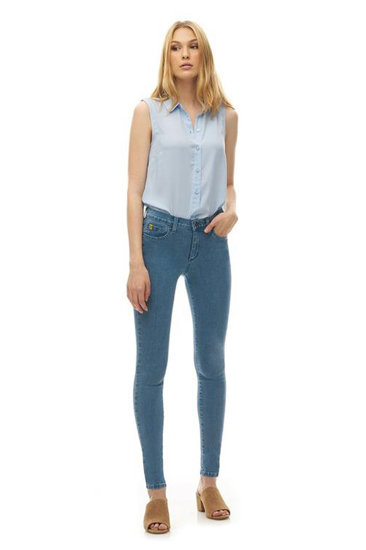 RACHEL Classic Rise Skinny Yoga Jean in Beach House, skinny jean, 30 inch inseam, light blue colour, sizes 24-34, made in Canada