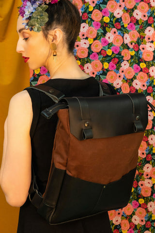 Backpack Andes brown waxed cotton, black vegetable tanned leather