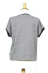 Yukon Top by Rien ne se Perd Tout se Cree, Grey, back view on mannequin, short sleeves, sweater, diagonal front pocket, sizes XS-XXL, made in Quebec