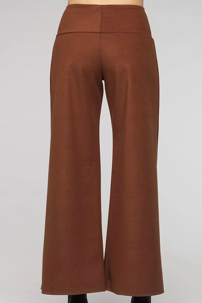 Darius Pants Kollontai FW 20/21 Brown back view available in sizes XS to XL