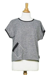 Yukon Top by Rien ne se Perd Tout se Cree, Grey, front view on mannequin, short sleeves, sweater, diagonal front pocket, sizes XS-XXL, made in Quebec
