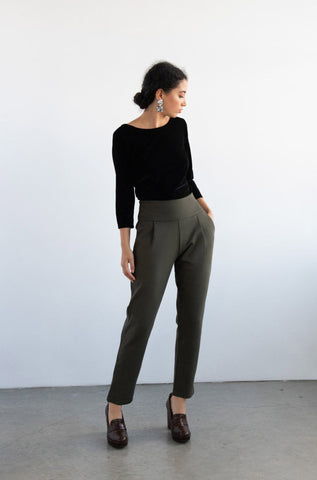 EVE LAVOIE Focus Pants in Grey (unavailable colour) FW2020/2021 (full-length, front view)