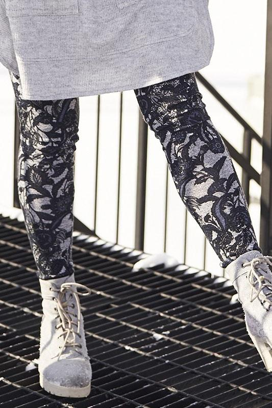 Glacier Leggings by Rien ne se Perd Tout se Cree, close up view, knit leggings, navy floral on grey background, sizes XS to XXL, made in Quebec