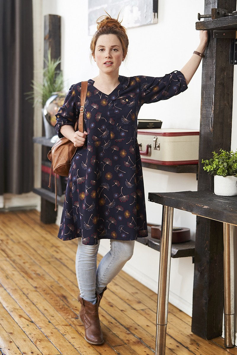 Tokyo Dress by Rien ne se Perd Tout se Cree, navy, dandelion print, rolled sleeves, coconut button, V-neck, sizes XS to XXL, made in Quebec