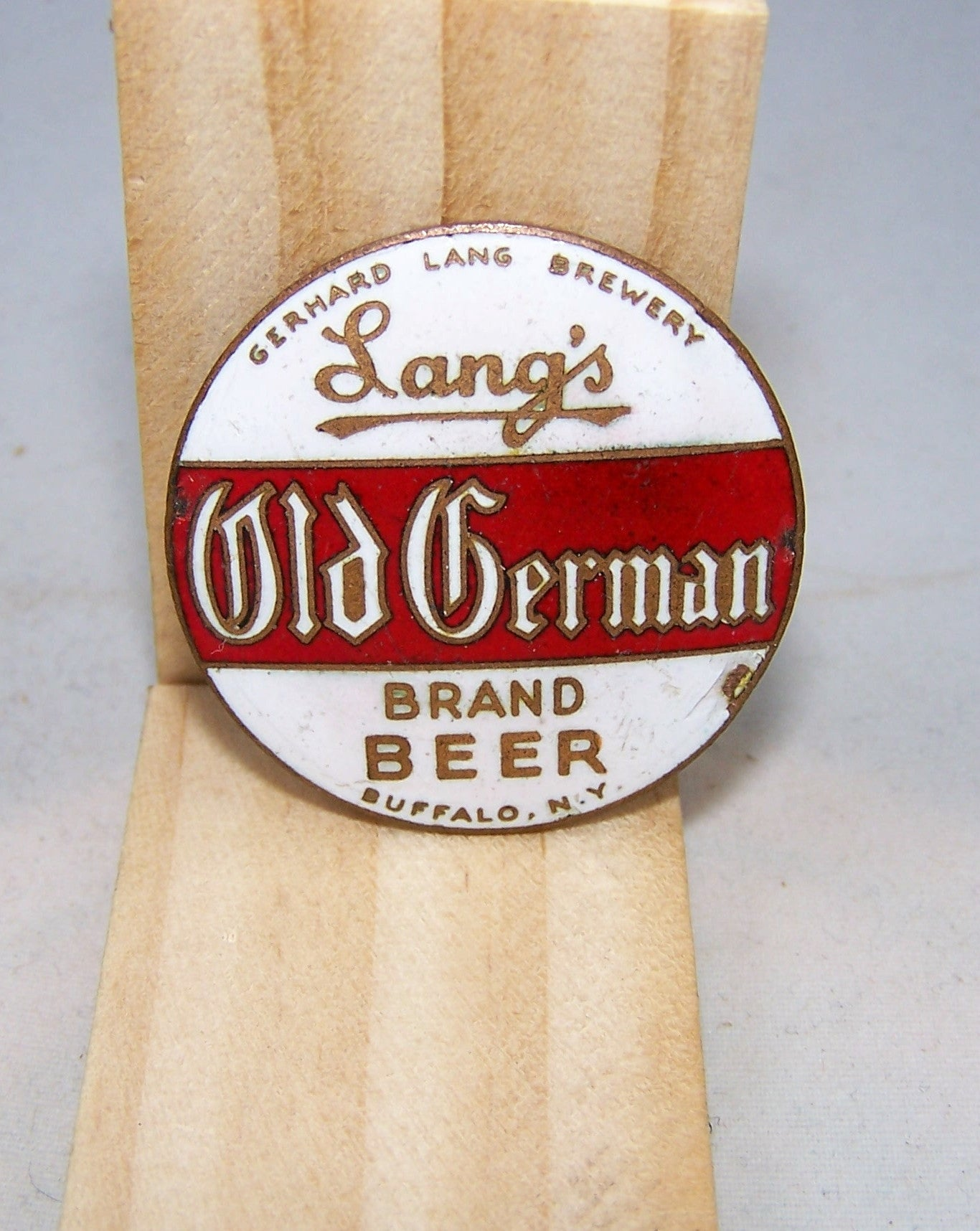 Lang's Old German Brand Beer, Ball Knob Insert, Tap Marker pagsold 2 11/16e 101-955, Grade 8