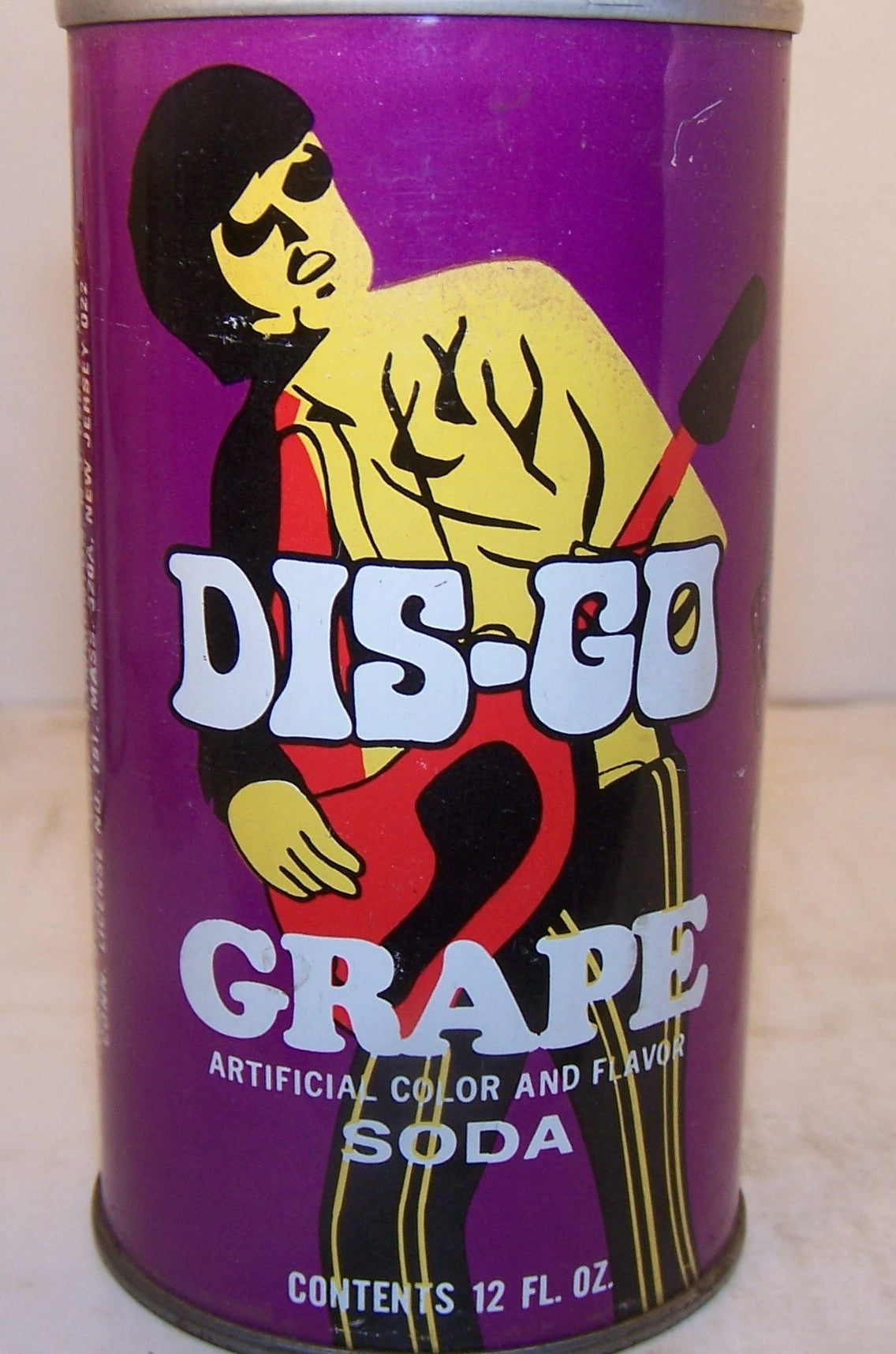 DIS-GO Grape soda, 2007 soda book page # 147, Grade 1/1+ Sold on 11/18/14