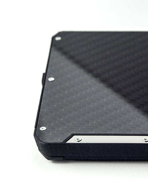 Vanacci Stealth 3 wallet base with carbon fiber front