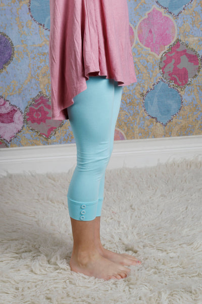 Capri Sutton Button Leggings - Aqua