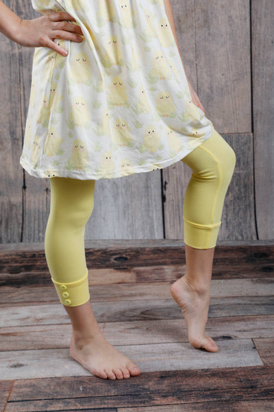 Capri Sutton Button Leggings - Light Yellow